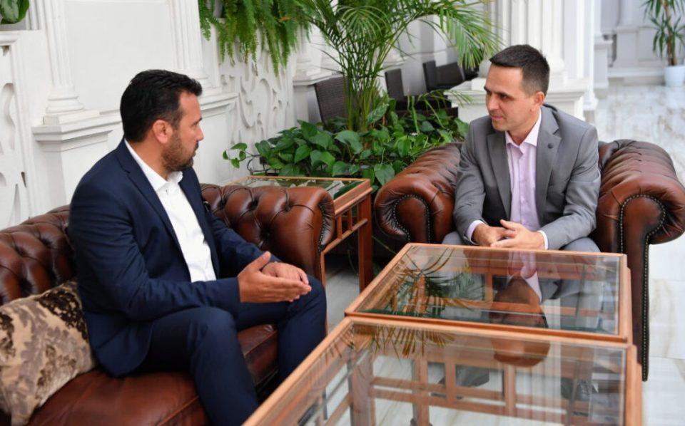 Зошто се случува операција за спасување на владата на Заев, ако СДСМ е толку многу силна на анкетите