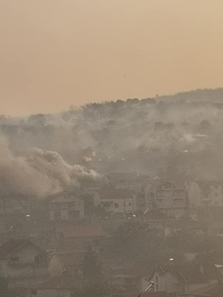 Десетина граѓани побарале помош по пожарот во Кочани, нема тешко повредени
