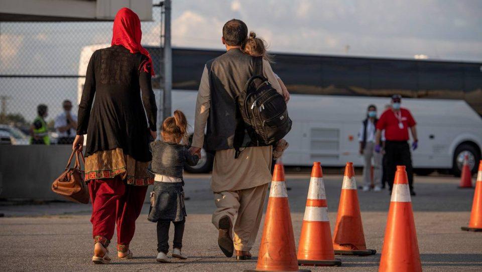 Во Загреб пристигнале 19 авганистански бегалци