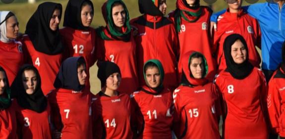 Девојчиња дома: Во Авганистан само момчиња може да одат на училиште