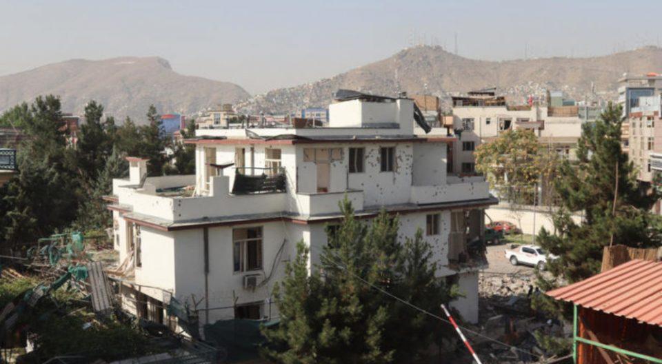 Нападнат домот на авганистанскиот министер за одбрана, 8 загинати и 20 ранети