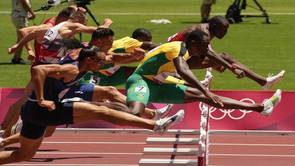 """Парчмент ја """"позлати"""" Јамајка на 110 метри со пречки"""