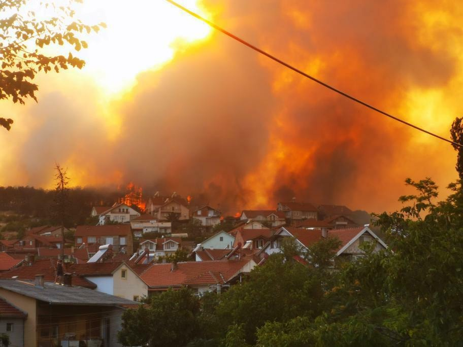 Заев: Утре ќе донесеме одлука за сервисирање на авионите за гасење пожари
