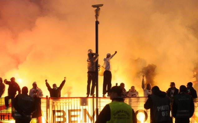 """Насилство во Загреб: """"Бед блу бојси"""" се степаа со навивачите на Легија"""