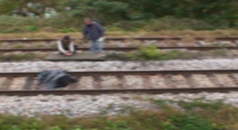 Товарен воз удрил во мигрант во близина на Неготино