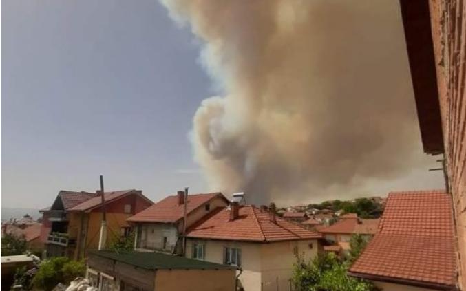 Бугарија презема чекори да го запре пожарот што доаѓа од Пехчево