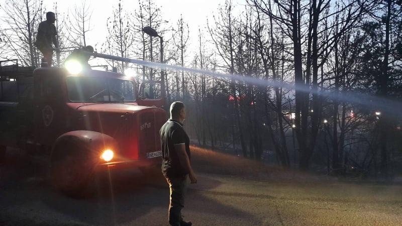 Влада: 15.000 литри млазно гориво и 5.000 литри нафтени деривати за ДЗС за справување со пожарите