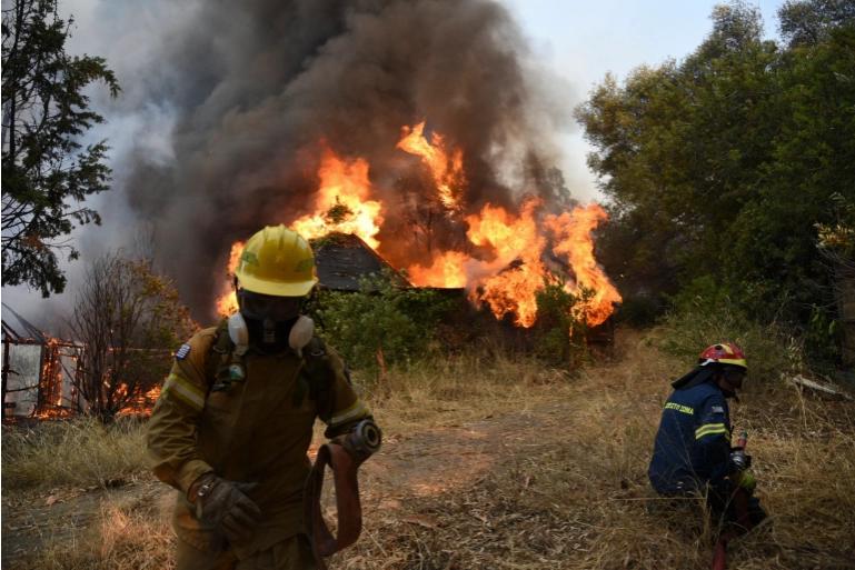 По 2 пожари на час: За еден ден избувнаа 41 нов пожар во Грција