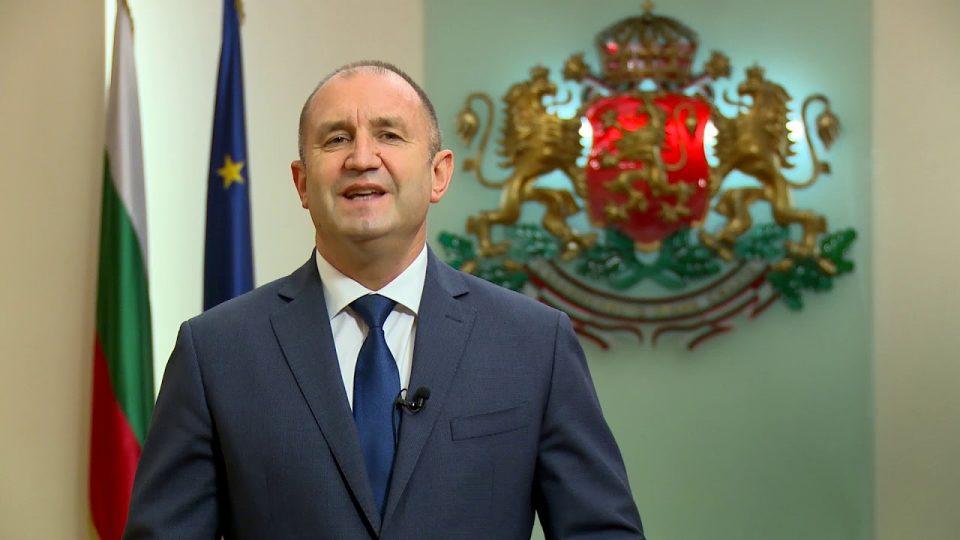 Радев: Претседателски и предвремени парламентарни избори во Бугарија на 14 ноември