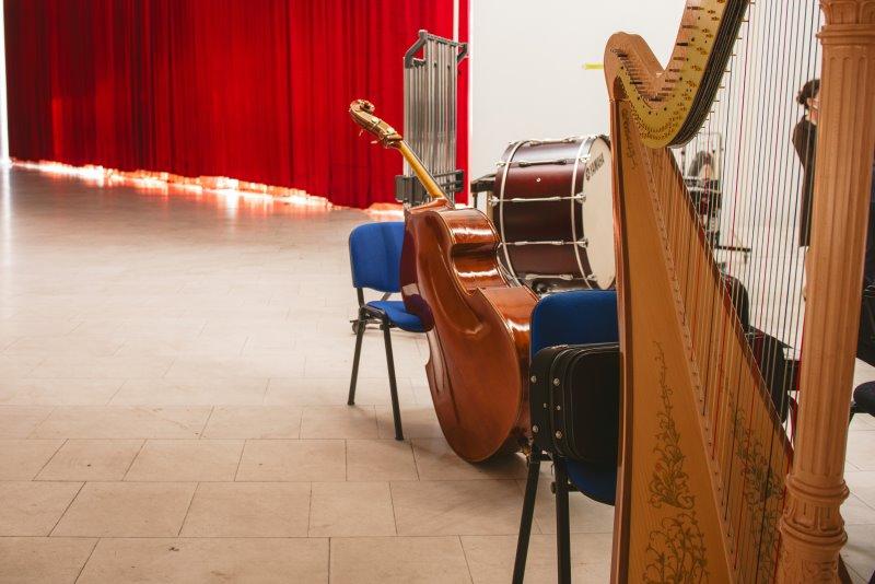 Националната опера и балет во доби нови инструменти и сценска опрема, донација од Јапонија