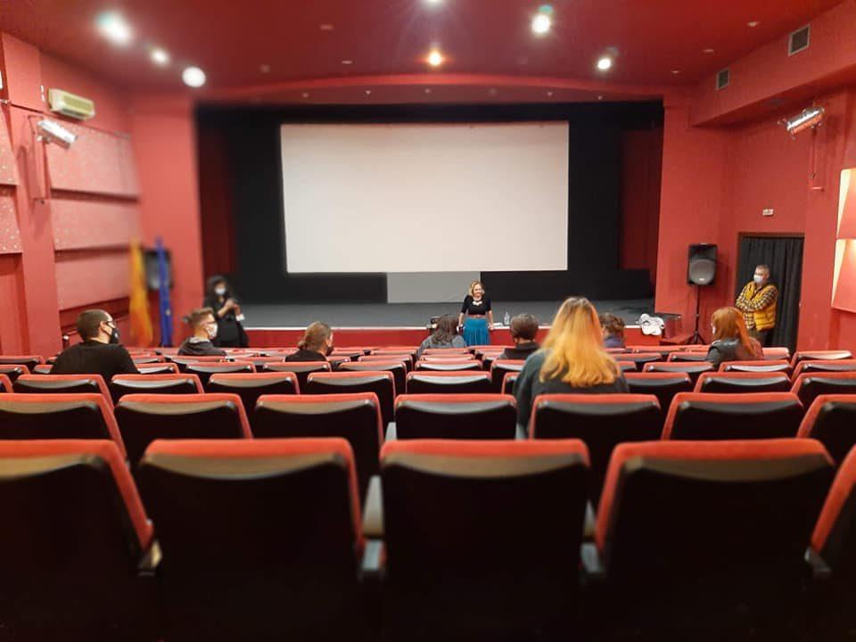 ФИЛМСКА УЧИЛНИЦА – проект за креативна едукација од областа на филмот и аудио-визуелното наследство, наменет за ученици од средните училишта