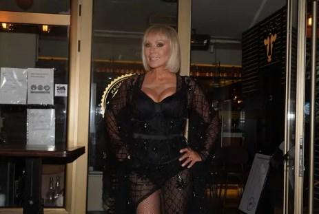 Kриза: Лепа Брена почна да пее по ресторани