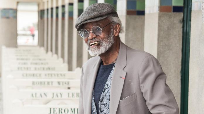 Почина револуционерниот црнечки режисер Мелвин ван Пиблс