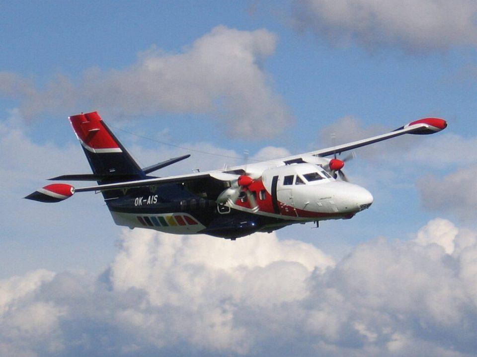 Се урна мал авион во Сибир, има преживеани, во кабината заглавени 11 патници