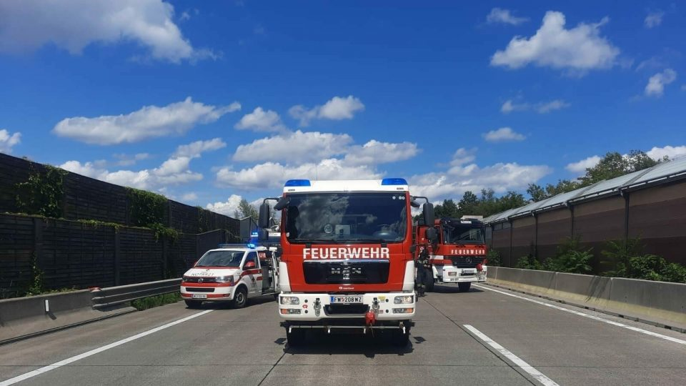 Се превртел автобус во Австрија, има повредени