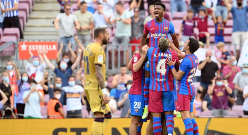 Барселона лесно се справи со Леванте