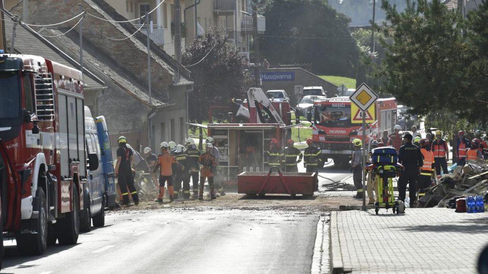 Двајца пожарникари загинаа во еклпозија на плин во семејна куќа во Чешка