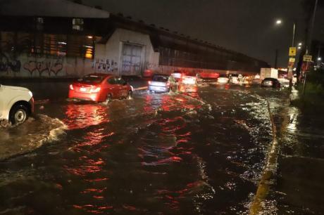 Шеснаесет загинати во поплавена болница во Мексико