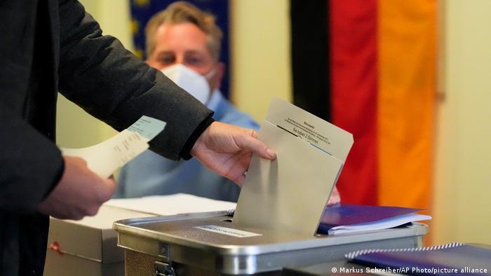 Ќе може ли да се формира владејачка коалиција: Во Германија отворени избирачките места