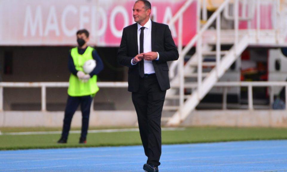 ФК Вардар го избрка тренерот по само четири кола