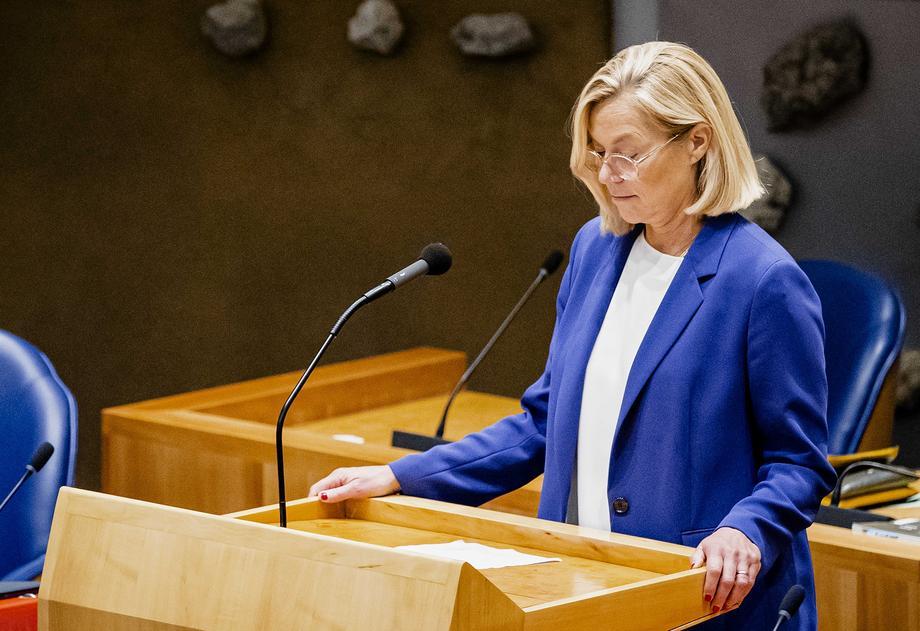 Оставка на шефицата на холандската дипломатија заради хаотичната евакуација од Авганистан