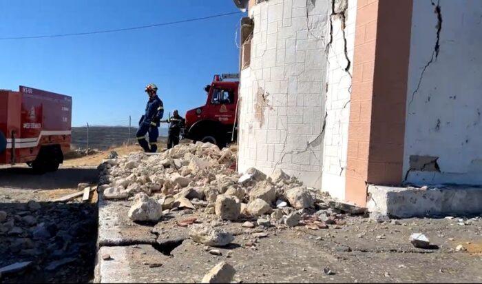 Сериозно оштетени згради и куќи, разрушени цркви, по земјотресот на Крит