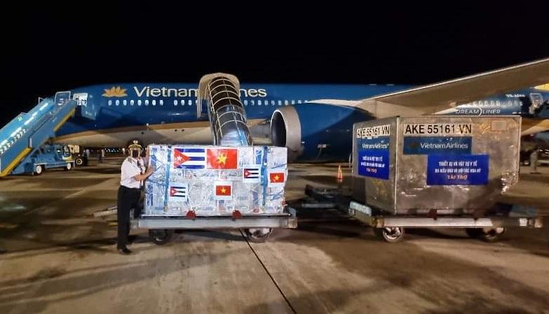 Куба почна да ја извезува својата вакцина: Првата пратка испратена во Виетнам