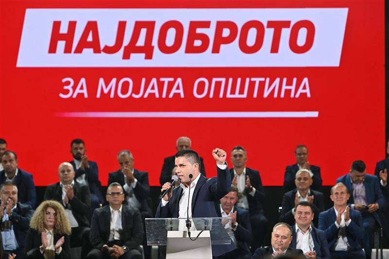 Николовски се пофали со 2000 проекти