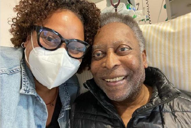 Пеле од болница порача дека се чувствува многу подобро