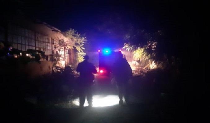 """Граѓани пријавиле густ црн чад: Пожарникари интервенирале во поранешната фабрика """"Треска"""""""