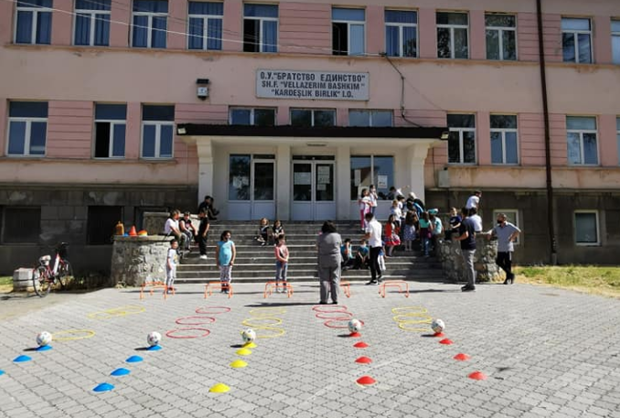"""Поради контакт со позитивни професори: 177 деца од ООУ """"Братство Единство"""" од Охрид се во изолација"""