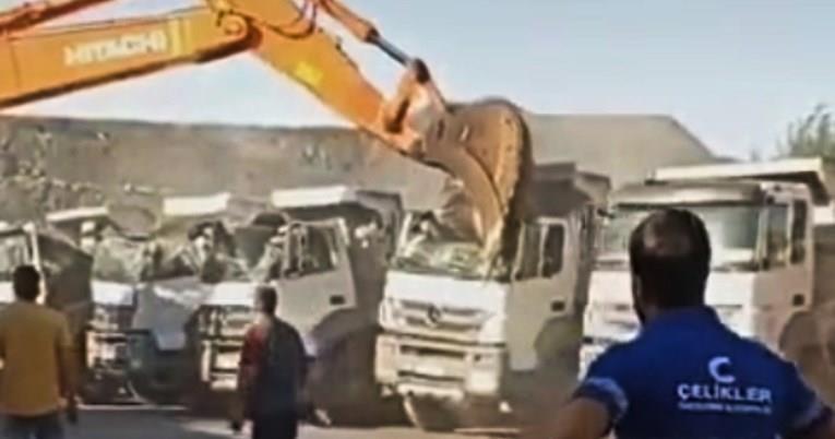 Има право да си наплати: Хакан не зел плата 5 месеци, па со багер му ги уништил камионите на газдата