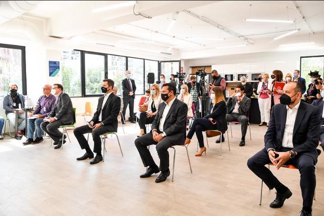 Заев: Глобалните компании ја препознаваат поволната бизнис клима во земјата