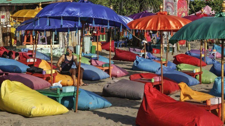 Бали се отвора за странските туристи